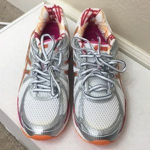 [NWT] ASICS GT-2000 Women's Running Size 7.5